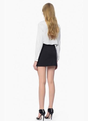 Que Uzun Kollu İşlemeli Gömlek Beyaz